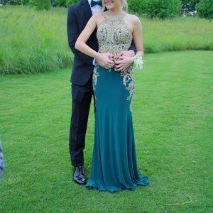 Dresses & Skirts - Clarrise emerald green prom dress size 00